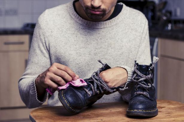 diy-4-olive-oil-leather-shoe-clean